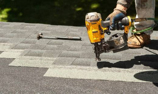 Jakie pokrycia dachowe najlepiej nadają się na dachy płaskie?