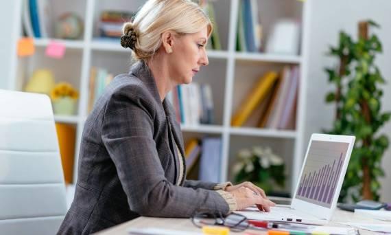 Zalety zlecenia obsługi księgowej biuru rachunkowemu