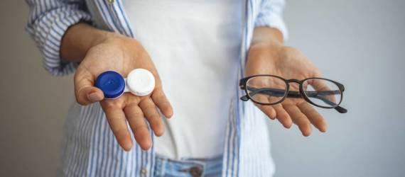 Soczewki kontaktowe czy okulary - na co się zdecydować?