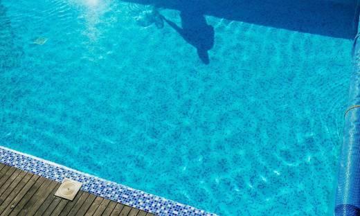 O czym świadczy przejrzystość wody w basenie?