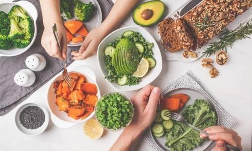 Czym są coraz popularniejsze dziś posiłki regeneracyjne?