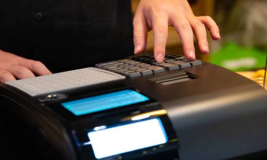 Na czym polega różnica pomiędzy drukarką a kasą fiskalną?