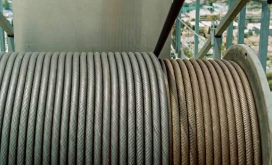 Zalety wciągarek linowych z przekładnią walcową