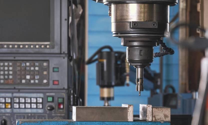 Jakie wyróżniamy techniki obróbki metali skrawaniem?