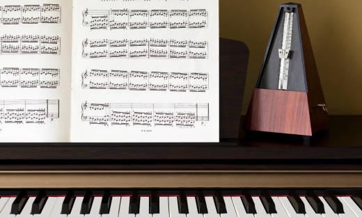Jaką rolę w ćwiczeniach muzycznych odgrywa metronom?