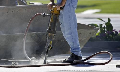 Jak przebiega wiercenie w betonie?