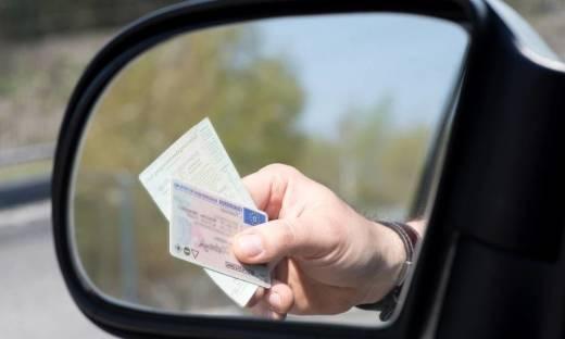 Jakie uprawnienia zyskuje się dzięki prawu jazdy kategorii B+E?