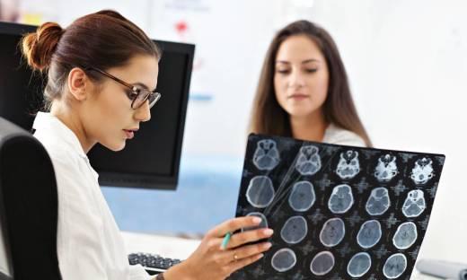 Jak przygotować się do wizyty u neurologa?
