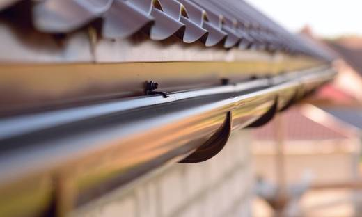Jakie są rodzaje systemów odwodnienia dachów