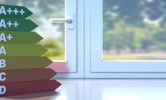 Wybór odpowiednich okien jako sposób na ograniczenie strat ciepła w budynku