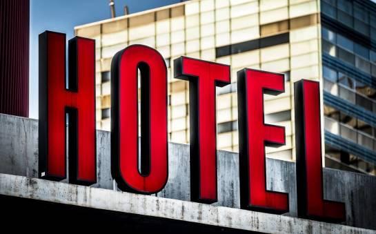 Hotel, hostel, motel – jak zdefiniować te pojęcia od praktycznej strony?