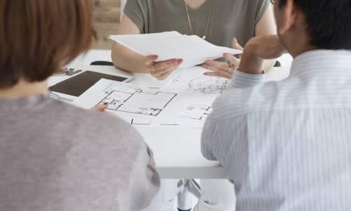 Jakie pozwolenia należy uzyskać, aby rozpocząć budowę domu?