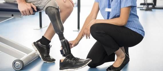 Skąd możemy pozyskać dofinansowanie protez kończyn? - NFZ i nie tylko
