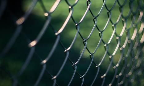 Zalety ogrodzeń z siatki
