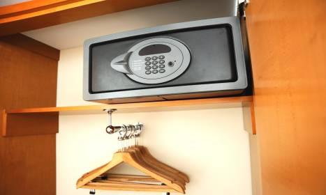 Gdzie przechowywać wartościowe rzeczy podczas pobytu w hotelu?