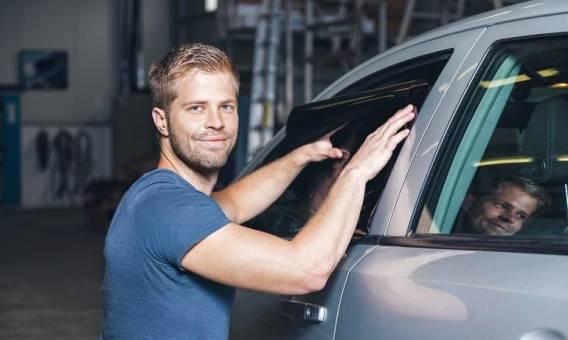Przyciemnianie szyb samochodowych a prawo
