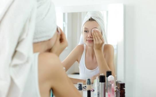 Ciekawe kosmetyki do demakijażu: hydrofilne masło oczyszczające