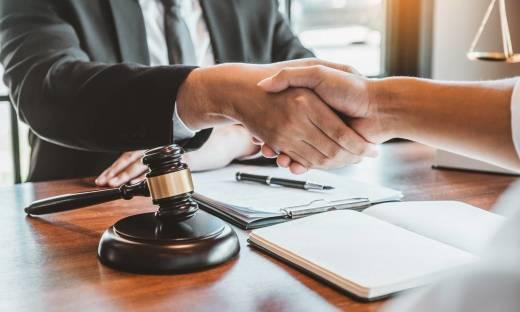 Zwolnienie z opłat notarialnych – kiedy to możliwe?