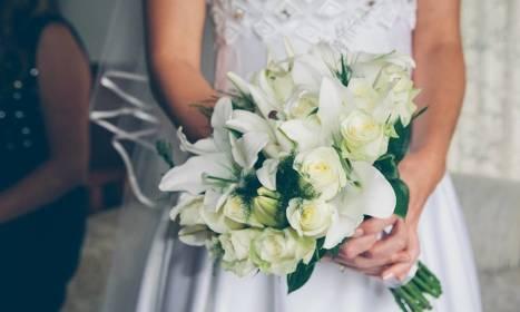 Bukiet ślubny jako ważny element kreacji Panny Młodej