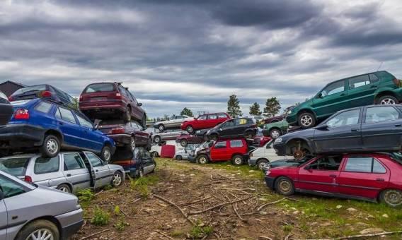 Czy można zezłomować niekompletne auto?