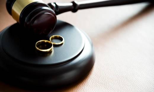 Rozwód z orzeczeniem o winie czy bez orzekania o winie? Różnice w procedurze rozwiązania małżeństwa