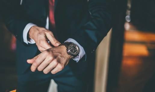 Ponadczasowe modele zegarków męskich, które powinny znaleźć się w garderobie każdego mężczyzny