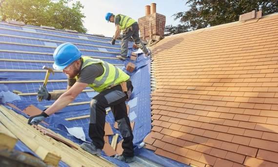 Kiedy poszycie dachu kwalifikuje się do wymiany?