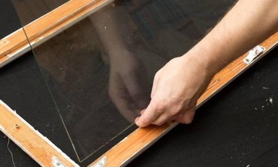 Jak przebiega proces szklenia okien?