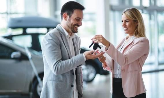 Zalety kupna nowego auta z salonu