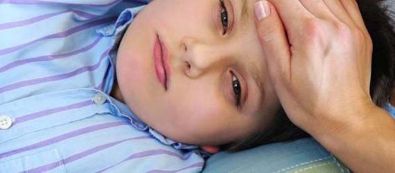 Jak skutecznie zbić wysoką gorączkę?