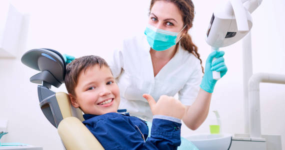 W jaki sposób leczyć wady zgryzu u dzieci?