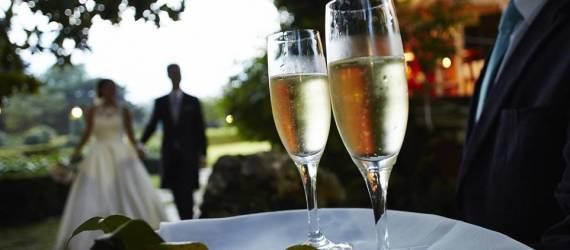 Jak wybrać catering na wesele?