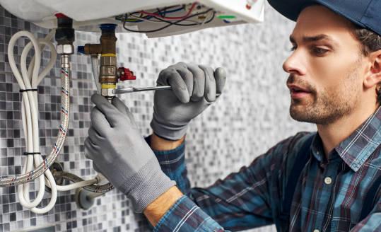 Instalacja wodna w domu – w jaki sposób najlepiej ją wykonać?
