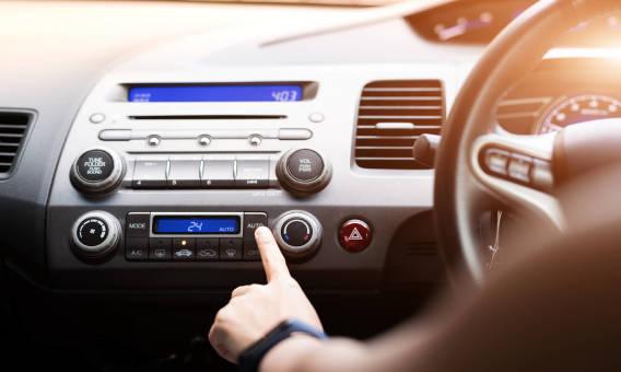 Jakie głośniki do samochodu wybrać? – poradnik