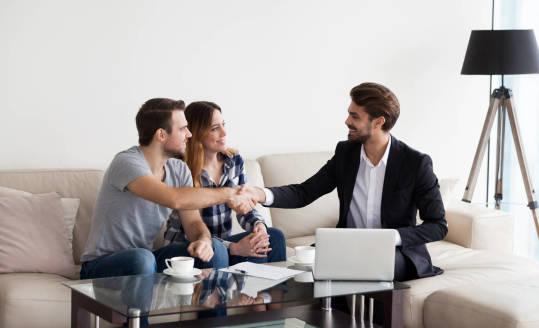 Korzyści płynące ze współpracy z biurem nieruchomości