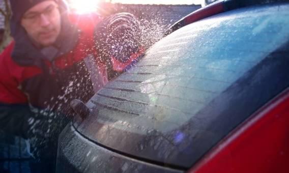 Jak dbać o szyby w swoim samochodzie?