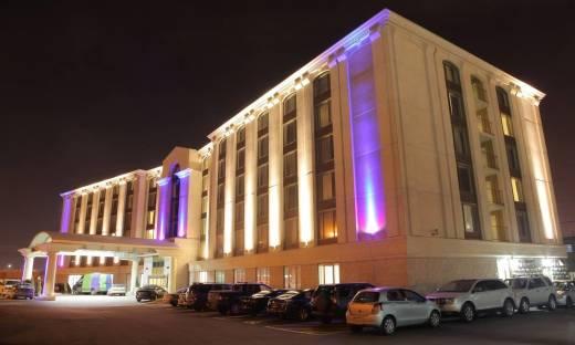 Hotele z parkingiem. Idealne dla zmotoryzowanych
