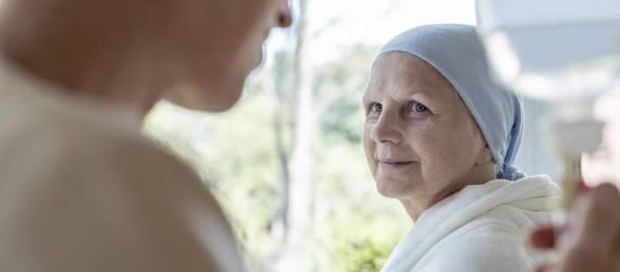 Na czym polega opieka paliatywna? Co to jest hospicjum?