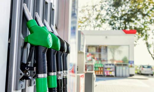 Dystrybutory paliw wiszące i stojące. Porównanie