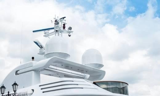 Jakie anteny są montowane na statkach?