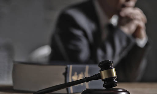 Co może adwokat? Poznaj podstawowe usługi prawne!