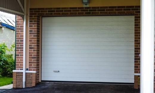 Bramy zwijane jako propozycja dla garaży o małej powierzchni