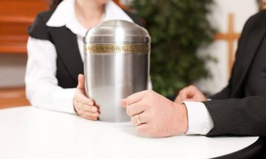 Co powinien oferować dobry zakład pogrzebowy?