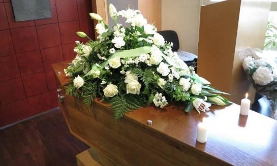 Kompleksowa organizacja pogrzebu. Postępowanie krok po kroku