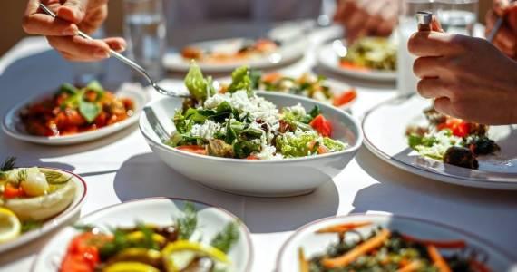 Zdrowa żywność w restauracji - przykład menu.