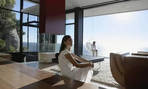 Dlaczego warto zarezerwować nocleg w hotelowym apartamencie?