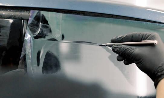 Przyciemnienie szyb w samochodzie. Podstawowe kwestie