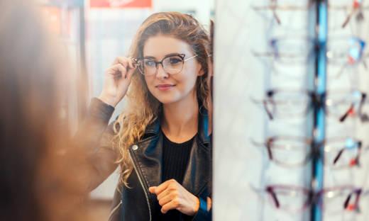 Jak dobrać oprawki okularów do kształtu twarzy?