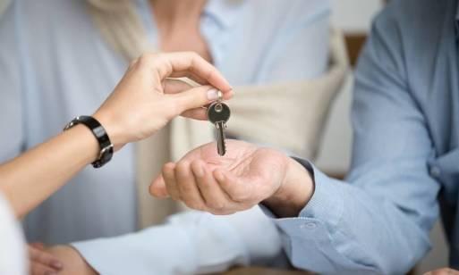 Wystawianie mieszkania na sprzedaż. Jak się przygotować?