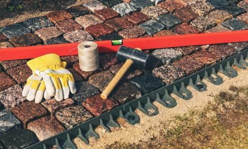Czyszczenie kostki brukowej - sposoby czyszczenia